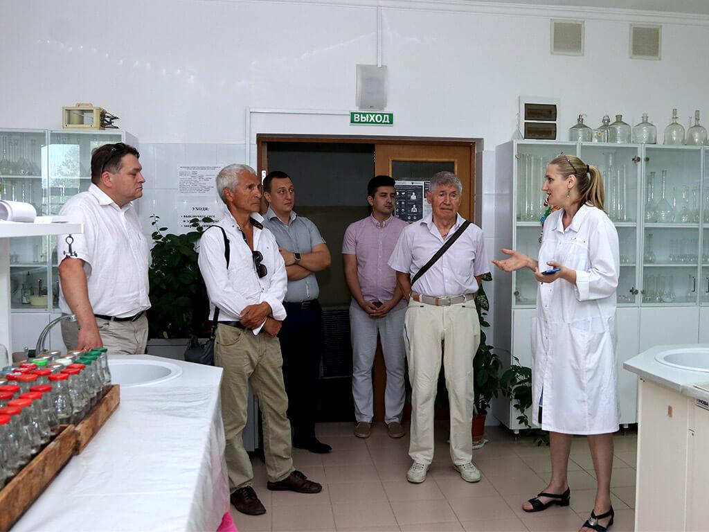 Субтропический научный центр РАН посетила делегация учёных из Санкт-Петербурга